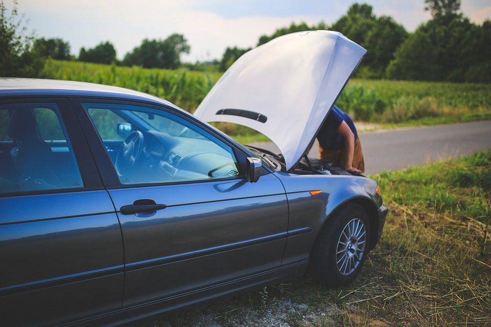 Revendre une voiture en panne : comment s'y prendre ?