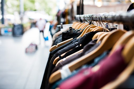 Trouver des vêtements pour femme pas cher : nos conseils