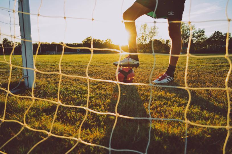 Pourquoi le football passionne les foules ?