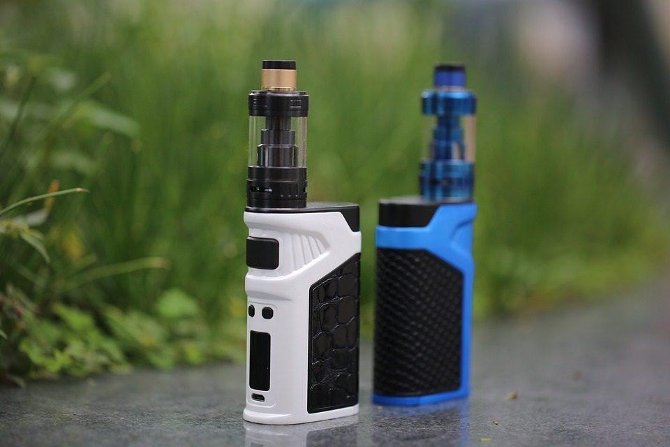 Cigarette électronique: l'interdiction des arômes déchaîne les passions aux Pays-Bas
